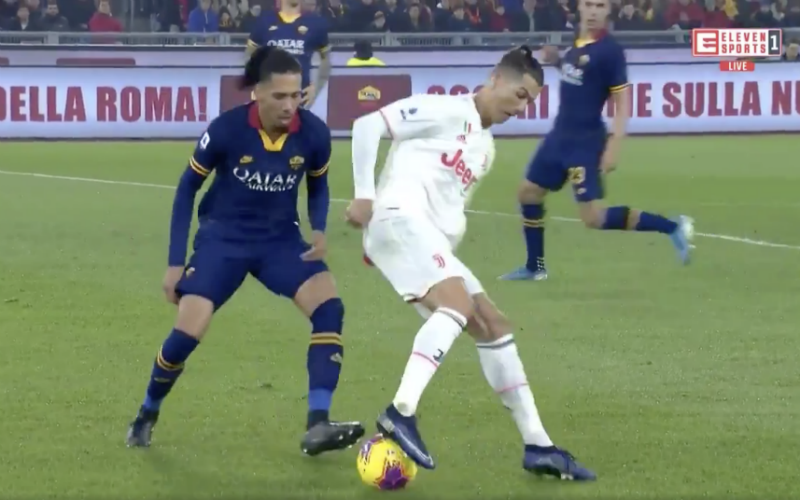 Ronaldo beëindigt de carrière van Chris Smalling (VIDEO)