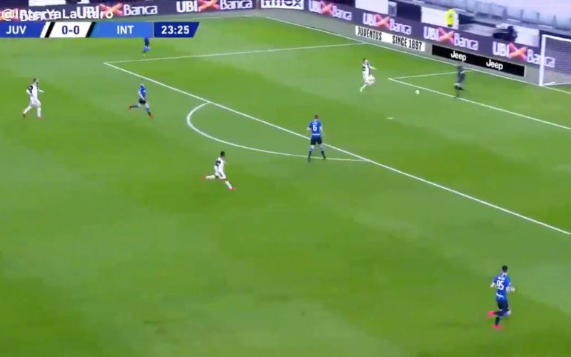 Inter-keeper zet Cristiano Ronaldo volledig in de wind (VIDEO)